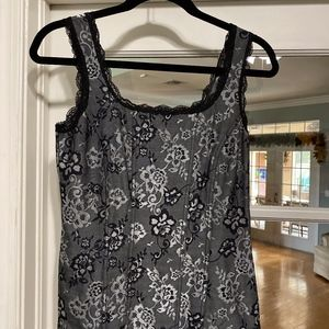 WHBM Floral with lace trim pullover Tank  Blk/grey